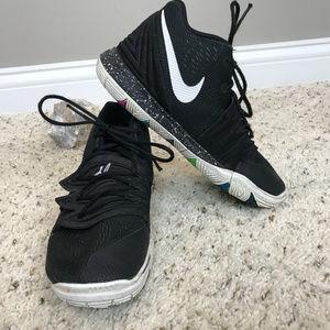 Kid's Sz 3Y Nike shoes